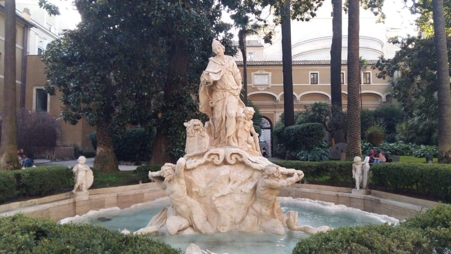 Fountain in the gardens of the Palazzo Venezia